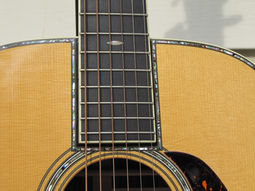 Martin 000-42 Marquis review One Man's Guitar onemanz.com Style 42 pearl readers photos