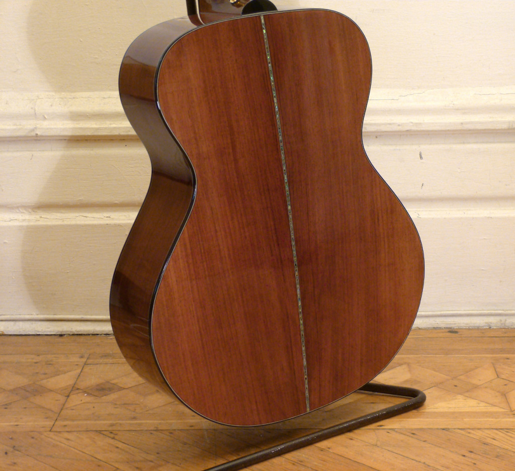Kathy Wingert Model F Custom - rosewood back - guitar review at onemanz.com