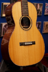 Martin CS-00s-14 review onemanz.com torrefied spruce small shot