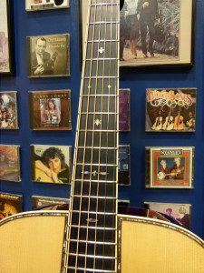 000-42 Authentic 1939 frets