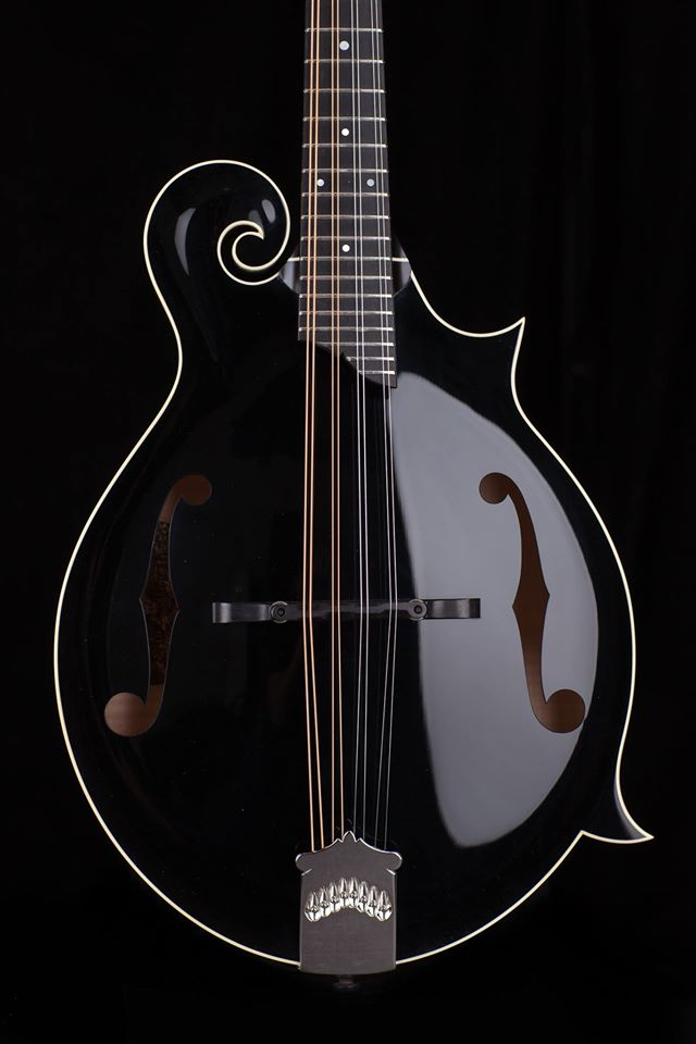 Collings mandolin black Collings 01 Mh 12-fret NAMM 2017 One Man's Guitar onemanz