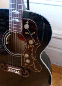Gibson SJ-200 Ebony Limited pick guard