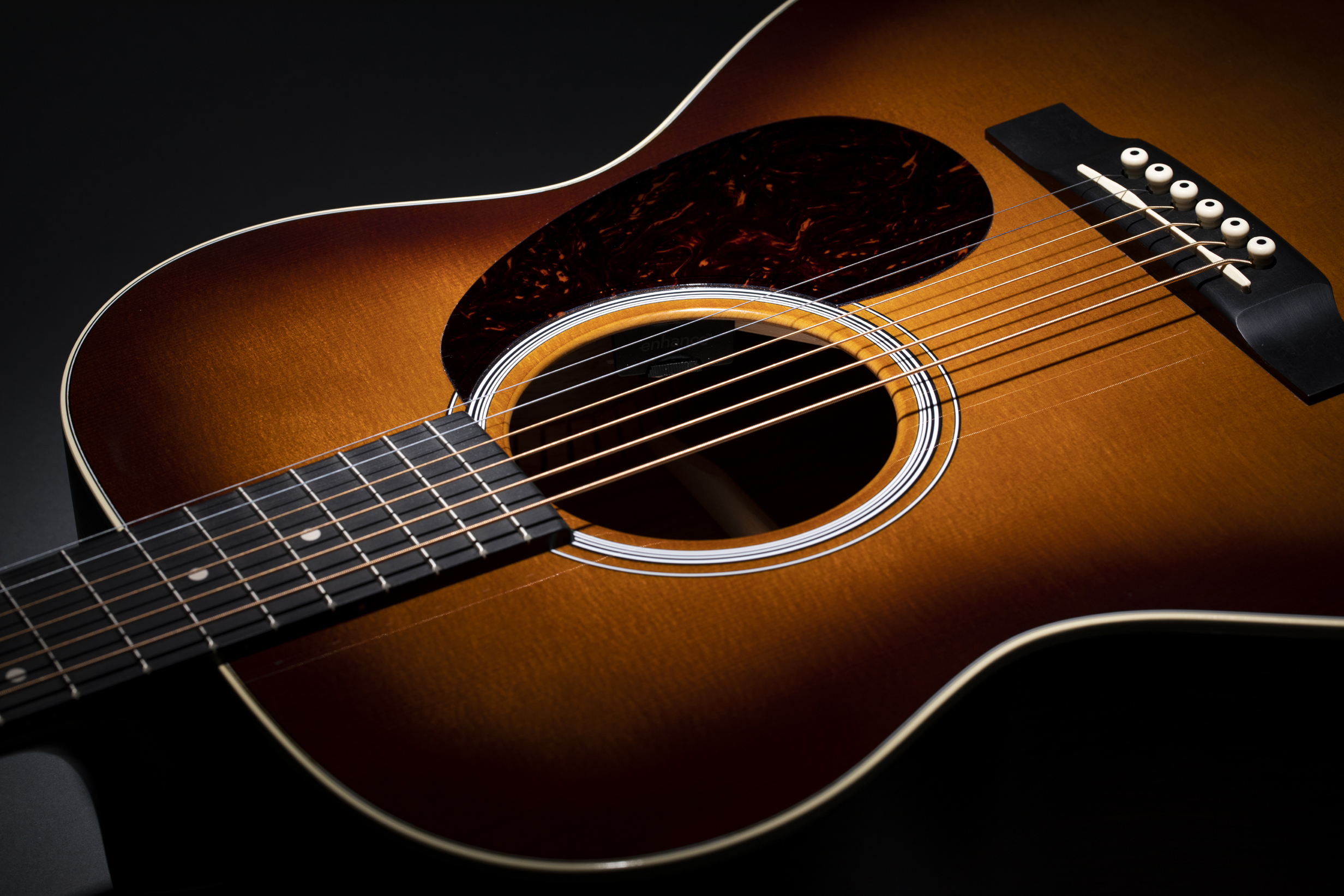 Martin 000E Black Walnut Ambertone Summer NAMM glam cut