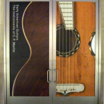 Early American Guitars: the Instruments of C.F. Martin Metrpolitan Museum of Art door