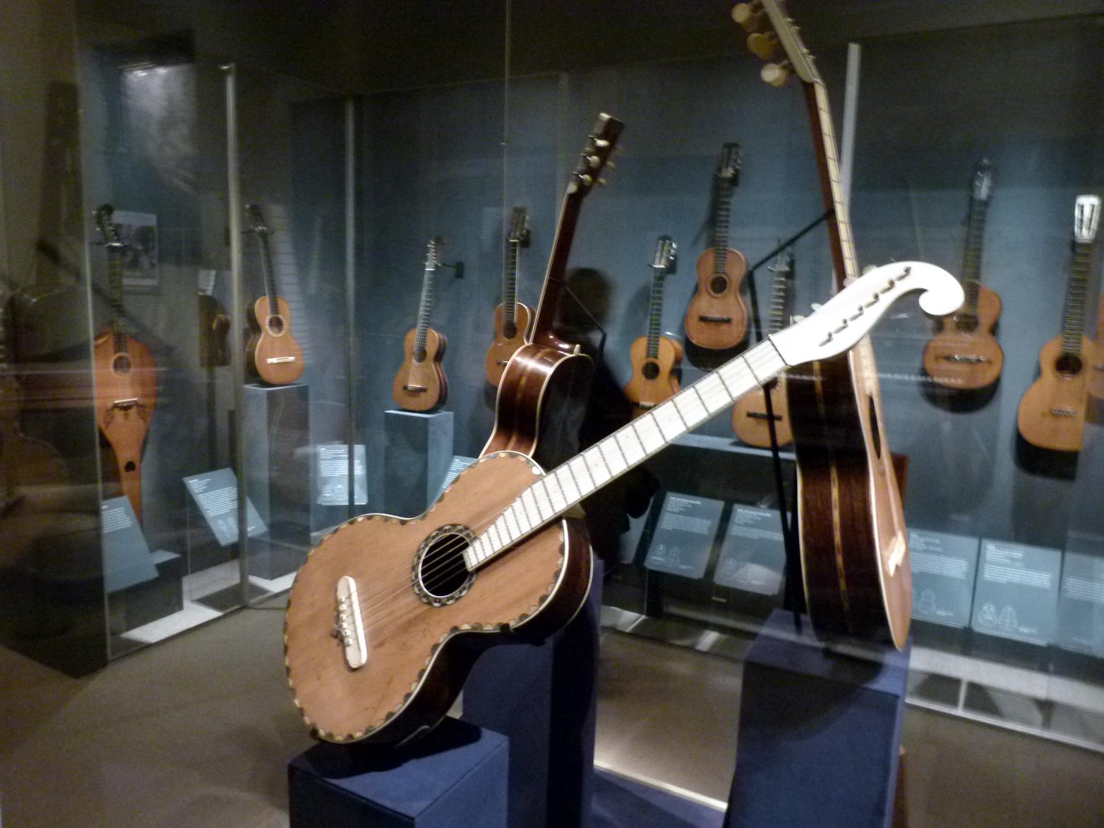 Guitarmuseumcom Guitar48938samickflyingvgreggbennettelectric