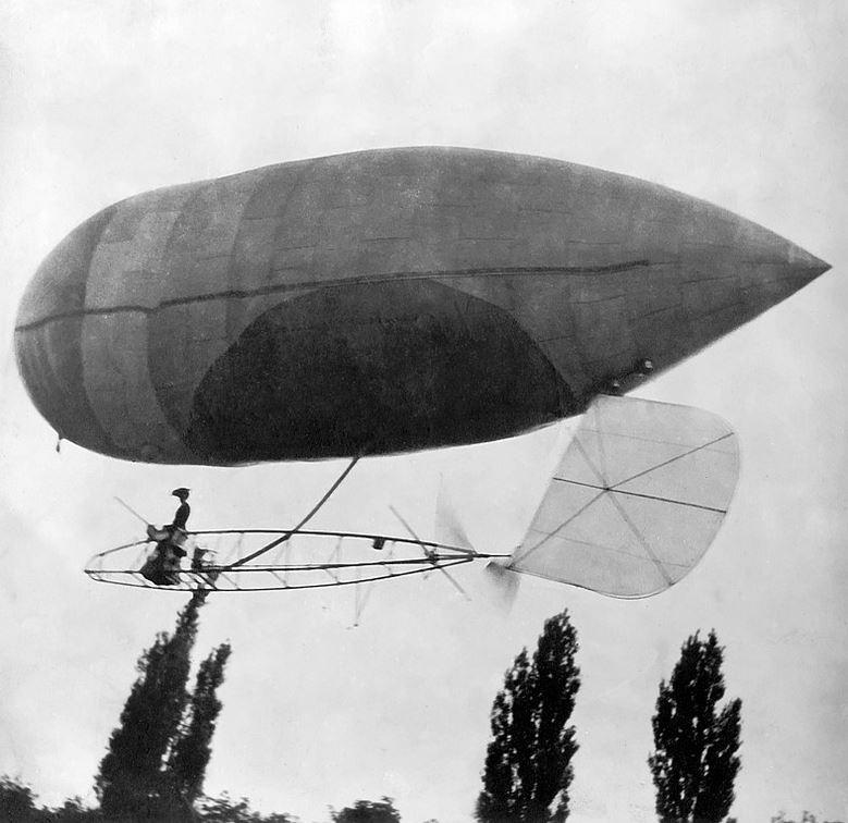 de-LAROCHE airship womens history onemanz